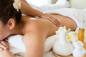 Jojoba Oil massage pic1.jpg